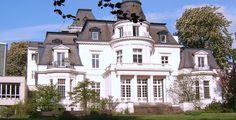 """Hochschule für Musik und Theater Hamburg  """"Hh-budgepalais"""" von Original uploader was Staro1 at de.wikipedia - Originally from de.wikipedia; description page is/was here.. Lizenziert unter CC BY-SA 3.0 über Wikimedia Commons."""