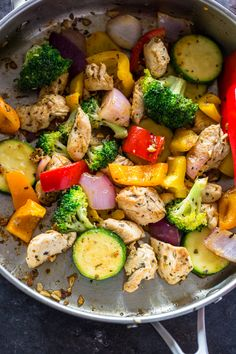 Quick Healthy 15 Minute Stir-Fry Chicken and Veggies--even though this is called a stirfry it is with Italian seasoning and I would serve over couscous Healthy Recipe Videos, Veggie Recipes, Easy Dinner Recipes, Healthy Dinner Recipes, Chicken Recipes, Easy Meals, Dinner Ideas, Dishes Recipes, Keto Recipes