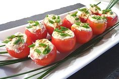 Gefüllte Tomaten mit Feta - Sahne - Recepty v češtině - Finger Food Appetizers, Vegan Appetizers, Great Appetizers, Finger Foods, Appetizer Recipes, Salad Recipes, Vegetarian Recipes, Cooking Recipes, Healthy Recipes