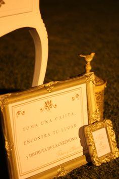 #bodaaleyfabi #gold #dorado #ambientacion #decoracion #escritorio #regalitos #sorpresas #lalunaenpuntasdepie