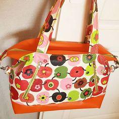 💚Marinochka💚 sur Instagram: Merci Ondine pour ta confiance, ton sac est prêt ! . . . . #sacotin #handbag #homemade #licence #faitmainavecamour #sacamain #java #colors…