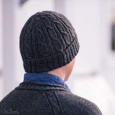 Herrelue med fletter – gratis oppskrift – Tove Fevangs blog Knitting Accessories, Knitted Hats, Beanie, Baking, Fashion, Moda, Bakken, Beanies, Fasion
