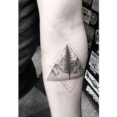 #geometrictattoo by @dr_woo_ssc /// #⃣#Equilattera #Tattoo #Tattoos #Tat…