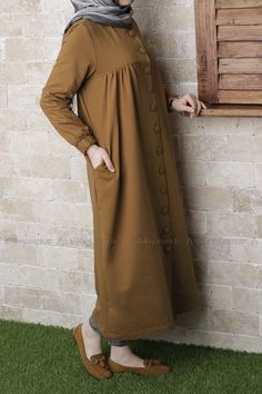 Ideas for dress casual long hijab Islamic Fashion, Muslim Fashion, Modest Fashion, Fashion Outfits, Hijab Chic, Casual Hijab Outfit, Casual Dresses, Muslim Dress, Hijab Dress