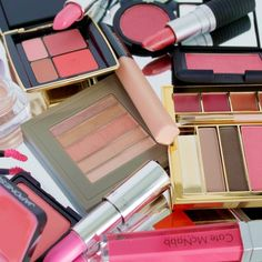 Pink Makeup: The Color To Wear Now | The Zoe Report