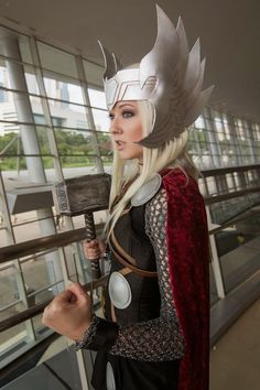 female Thor - love the mesh that looks like chain maille