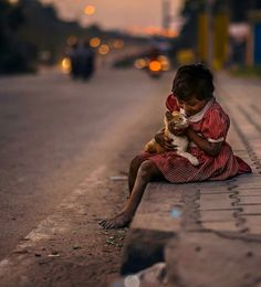 My precious one. Cute Kids Photography, Photography Poses, Street Photography, Life Is Beautiful, Beautiful People, Emotional Photography, Indian Photoshoot, Street Portrait, Poor Children