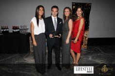 II Premios 10 Lifestyle - Enrique Ponce y el Equipo de la Razón Door Prizes