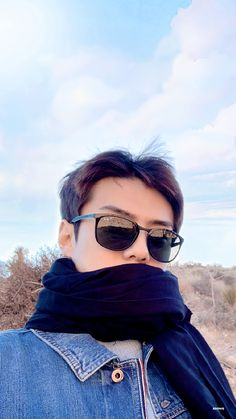 SeHun with sunglasses