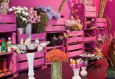 Cajones de madera de verduleria pintados PINK ideal para hacernos un jardin..para nuestras cositas para reciclar y hacer cosas lindas.-