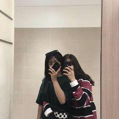 cute couple ulzzang 얼짱 pair cute kawaii adorable korean pretty beautiful hot fit japanese asian soft aesthetic g e o r g i a n a : 人 Best Friends Aesthetic, Couple Aesthetic, Korean Aesthetic, Couple Swag, Girl Couple, Ulzzang Korean Girl, Ulzzang Couple, Best Friend Pictures, Bff Pictures