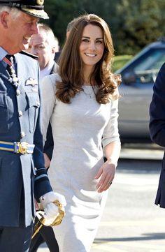 Kate Middleton Photos - Kate Middleton Visits The Royal Marsden Hospital - Zimbio