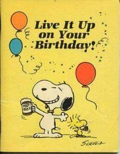 Snoopy and Woodstock Happy Birthday! Happy Birthday Quotes, Happy Birthday Images, Happy Birthday Greetings, Birthday Pictures, Birthday Greeting Cards, Birthday Memes, Birthday Wuotes, Peanuts Cartoon, Peanuts Gang