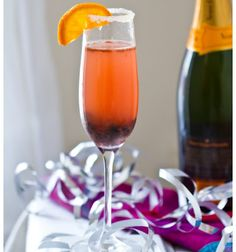 Here are my 10 recipe ideas to make your plain old bubbly extraordinary! Add sparkle, fun and flavor to your champagne glass - with my ten favorite recipes. Cheers! ..with any brand of bubbly...