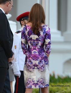 The Duke and Duchess of Cambridge attend a State dinner in Singapore   #katemiddleton #style
