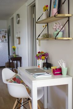 Small study space ideas study design ideas home office and home study design and style creative . Home Study Design, Home Office Design, Home Office Decor, Home Decor, Office Ideas, Creative Office Space, Small Home Offices, Desk Inspiration, Console