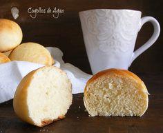 Condensed Milk Rolls - Panecillos de leche condensada para el desayuno (google translate on side bar)