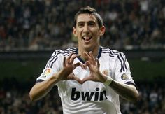 Will Ángel di María sign the deal Manchester United offer and wear the red jersey? Football Celebrations, Eric Cantona, Real Madrid Players, Old Trafford, Cristiano Ronaldo, Manchester United, Monaco, Liverpool, The Unit