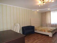 Предлагаем для долгосрочной аренды в Ставрополе  1 - комнатная квартира по адресу Шпаковская76а/2, Стелла , ремонт современный,встроенная кухня, шкаф-купе, 2-х спальная кровать, общей площадью 46.7 кв.м, дом Францпанель, Крышн.котел отопление, Газ-плита, наличие бытовой техники - стиральная машина (+), холодильник (+), телевизор (+),парковка стихийная, номер объявления - 30507, агентствонедвижимости Апельсин. Услуги агента только по факту заключения договора.Фотографии реальные…