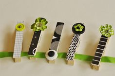 Camp Crafts}Collage Blocks and Decorative Clothes Pins - your homebased mom