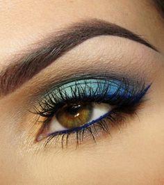 20 idées de maquillages pour sublimer les yeux marrons : corail de bleus