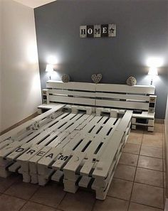 100 DIY Ideas For Wood Pallet Beds: Rehashing is budget friendly and environmentally healthy activity. So get ready to have mesmerizing wood pallet beds at your Pallet Bed Frames, Diy Pallet Bed, Wooden Pallet Projects, Wooden Pallet Furniture, Pallet Wood, Wood Pallets, Pallet Ideas, Furniture Ideas, Diy Wood