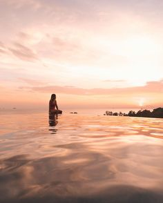 "2,245 Likes, 98 Comments - Hαуℓeу αndersen ❥ (@haylsa) on Instagram: ""Spent our first night in Aonang watching the sun go down from this rooftop infinity pool…"""
