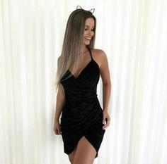 Cute Short Dresses, Lovely Dresses, Sexy Dresses, Sexy Outfits, Trendy Outfits, Dress Outfits, Grad Dresses, Stunning Women, Poses