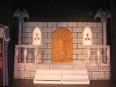 cool shape for witches' castle or Rumple's lair. Once Upon A Mattress, Witches Castle, Cool Shapes, School Play, Stage Design, Backdrops, Scenery, Arts And Crafts, Cool Stuff