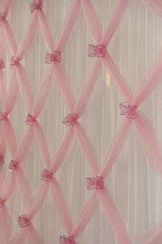 Pretty Party Backdrop: Tulle gathered with wire edged ribbon bows in front of white sheer curtain - Nice for a bridal shower, baby shower (could add blue ribbon on pink tulle), or for a ballerina birthday party! Party Kulissen, Festa Party, Party Time, Clown Party, Circus Party, Party Ideas, Tutu Party, Candy Party, Ballerina Birthday Parties