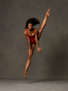 I will dare to just do what I do, be just what I am and dance whenever I want to. ~ Beverly Williams (Photo of Briana Reed, Alvin Ailey American Dance Theater) Alvin Ailey, Dance Movement, Body Movement, Dance Company, Modern Dance, Dance Photos, Lets Dance, Dance Photography, Black Is Beautiful