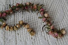 I'm busy creating and making items for the next Junk Fest . and I have something to share for pink Saturday. Rose Garland, Diy Garland, Diy Wedding, Wedding Flowers, Wedding Ideas, Crafts To Do, Diy Crafts, Drying Roses, Mini Roses