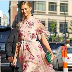 'Karlie Kloss carrying her Tyler Ellis clutch in NYC #repost #luxury #bags #celebrity #USA #carolineherrera #dress #clutch #shop @privatoasia' by @privatoasia.  #cars #car #carporn #watches #carswithoutlimits #watch #designer #interior #gold #porsche #menswear #classy #luxurycars #realestate #lux #luxe #rolex #ferrari #supercar #lamborghini #luxuryliving #mercedes #luxurystyle #luxuryhomes #luxurytravel #luxurycar #luxuryrealestate #luxuryfashion #yacht #luxurybrand #luxuryhome #millionaire…