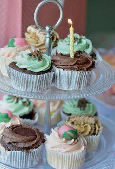 Cupcakes are an ideal first birthday cake, because they're not too big for your little one to handle. First Birthday Cakes, 1st Birthday Parties, Starting Solids, Get Baby, First Birthdays, Pastel, Handle, Cupcakes, Big