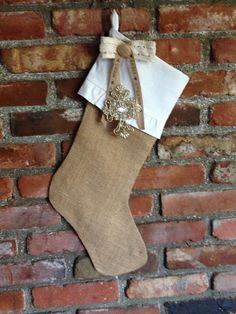 Lucy Lou Sews: Burlap Stockings