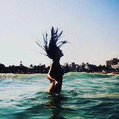 #travellers #travelling #travelblog #blog #newblog #bloggers #vlog #girlsabroad #miami #southbeach #305 #latino  #beach #silhouette #follow #like4like #comingsoon #newinstagram by stepanneaway