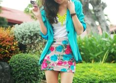 Pretty floral skirt. Gorgeous colors.