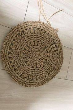 I want to knit by summer! How to make a crochet bag with circular knitting! That ① Crochet Handbags, Crochet Purses, Crochet Bags, Crochet Motif, Diy Crochet, Crochet Patterns, Embroidery Bags, Sisal, Knitted Bags