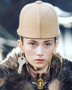 ##NYFW Показ Marc Jacobs #fw2017 #fashionweek #nyfw2017  via HARPER'S BAZAAR RUSSIA MAGAZINE OFFICIAL INSTAGRAM - Fashion Campaigns  Haute Couture  Advertising  Editorial Photography  Magazine Cover Designs  Supermodels  Runway Models