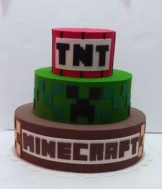 bolo cenográfico, fake, falso minecraft Pastel Minecraft, Tnt Minecraft, Minecraft Birthday Cake, Easy Minecraft Cake, Hama Beads Minecraft, Minecraft Crafts, Minecraft Skins, Minecraft Buildings, Perler Beads
