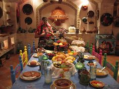 Cocina Tradicional Mexicana/Traditional cuisine in Mexico Mexican Style Kitchens, Mexican Style Decor, Mexican Kitchen Decor, Mexican Art, Mexican Colors, Mexican Hacienda, Hacienda Style, Mexican American, Hacienda Kitchen