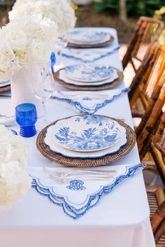 Contributor Series: A Chic Fourth of July Table that's all about the blue and white