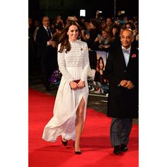 Duchess of Cambridge debuted a new dress on Thursday (Nov. 3) night as she stepped out to attend the London premiere of one of the year's most heartwarming films, A Street Cat Named Bob . Kate's elegant white gown is from London-based brand Self-Portrait