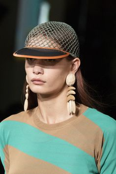 Browse Paris Fashion Week Spring 2020 pictures from the Stella McCartney runway show. Fashion Brands, Fashion Show, Paris Fashion, Stella Mccartney Tennis, Celebrity Closets, Celebrity Style, Tennis Fashion, Hats For Sale, Fashion Poses