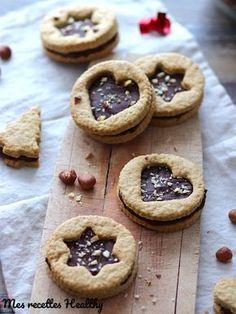 Recette d'un biscuit sablé de Noël sans beurre ni sucre ajouté. Un gâteau gourmand sans beurre avec données nutritionnelles.