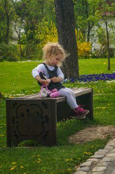Bebe calator ♥ Romania – primavara la Mogosoaia, cu arome frantuzesti Outdoor Furniture, Outdoor Decor, Home Decor, Bebe, Decoration Home, Room Decor, Home Interior Design, Backyard Furniture, Lawn Furniture