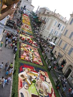 Our weekly newsletter is out!  http://eepurl.com/ANSE9   The best events in Rome & environs through June 19.