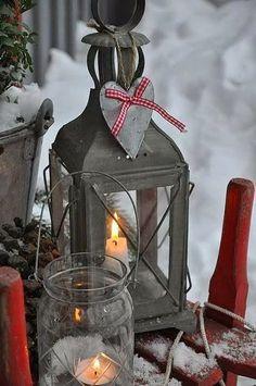 outdoors lanterns