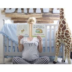 OK, how darling is this maternity shot?! Shop the #preggers tee and fun over-sized giraffe ---> link in profile!  Photo credit: @hannahtovar