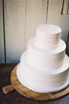 14 Minimalist White Wedding Cake Styles — the bohemian wedding // White Minimalist 3 Tier Cake